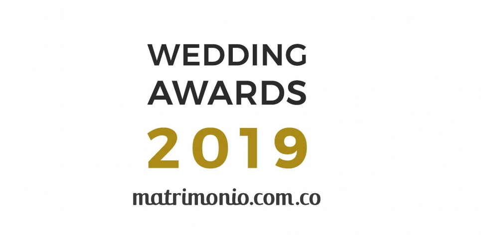 Angélica Valencia recibe un Wedding Award 2019